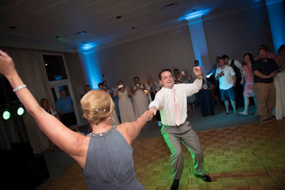 dj ken olds wedding dancing.jpg