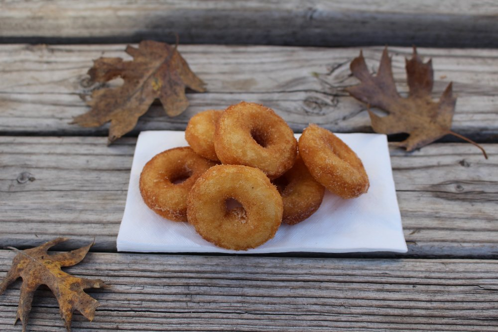 apple cider donuts - oak glen
