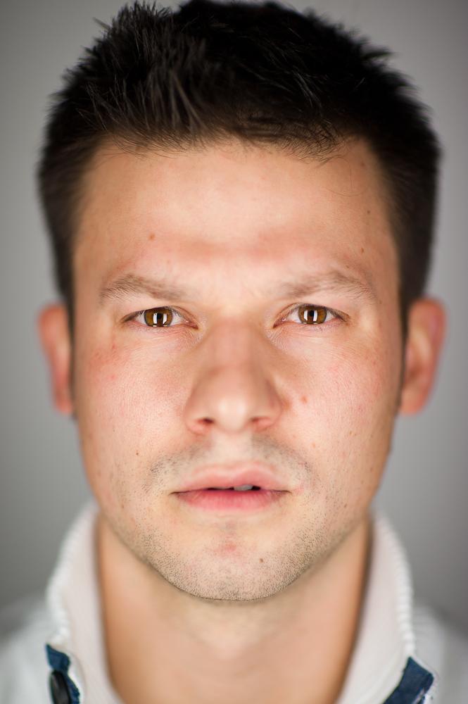 sean-williams-photographer-portrait-people-close-edmonton-alberta-canada-commercial-martin-schoeller-3.jpg