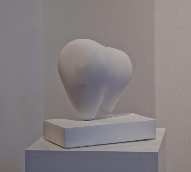 """Rita Börlin: """"Abstrakt form"""". Plaster, 20 x 22 cm"""