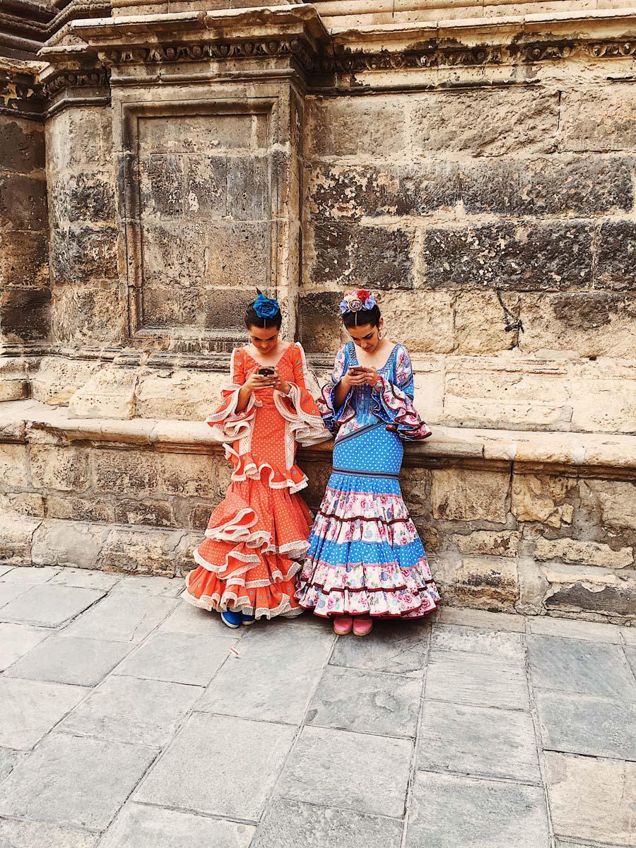 Dos Chicas.jpg