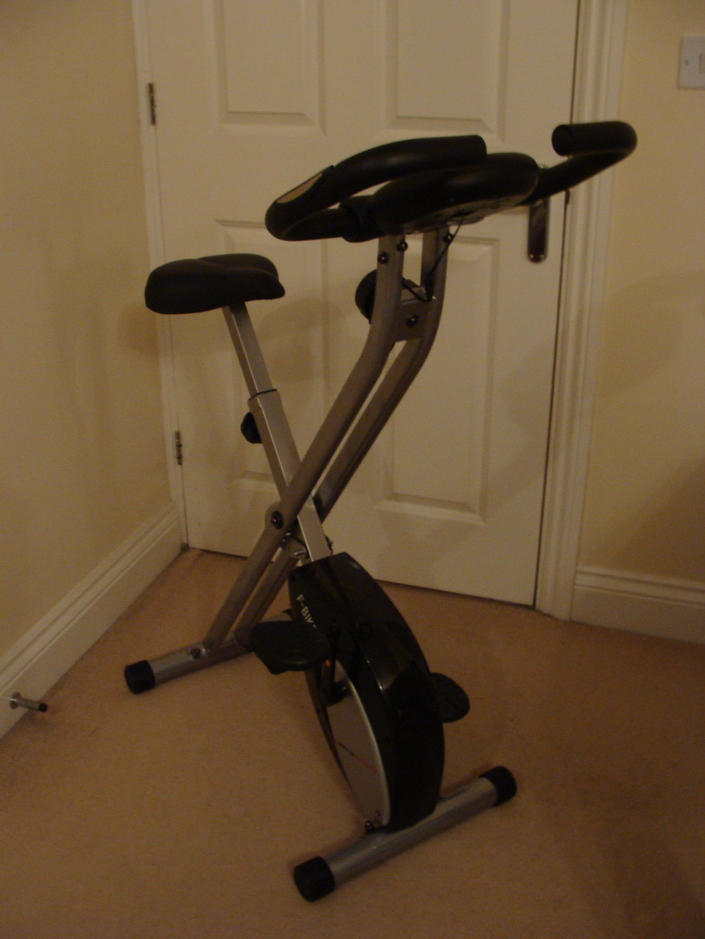 Looks a bit minimal for an exercise bike - but that's its power (I hope)