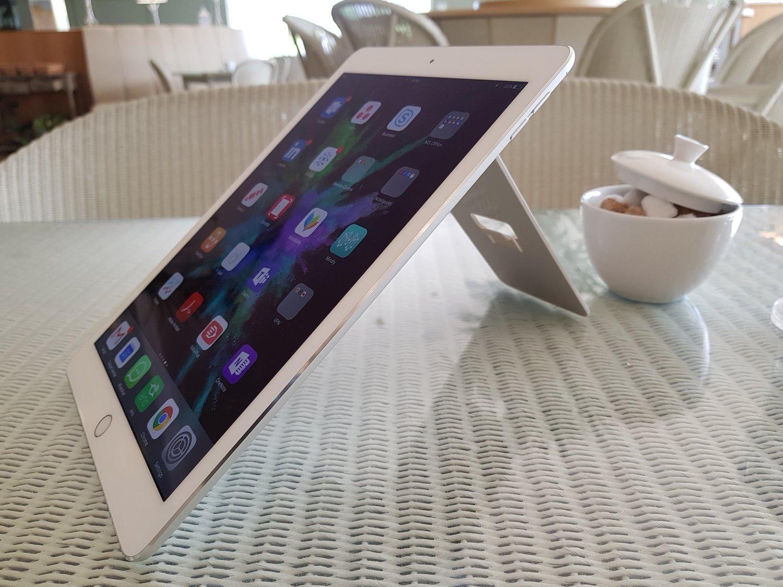 standing up for tablets filofax enitab360 universal tablet holder