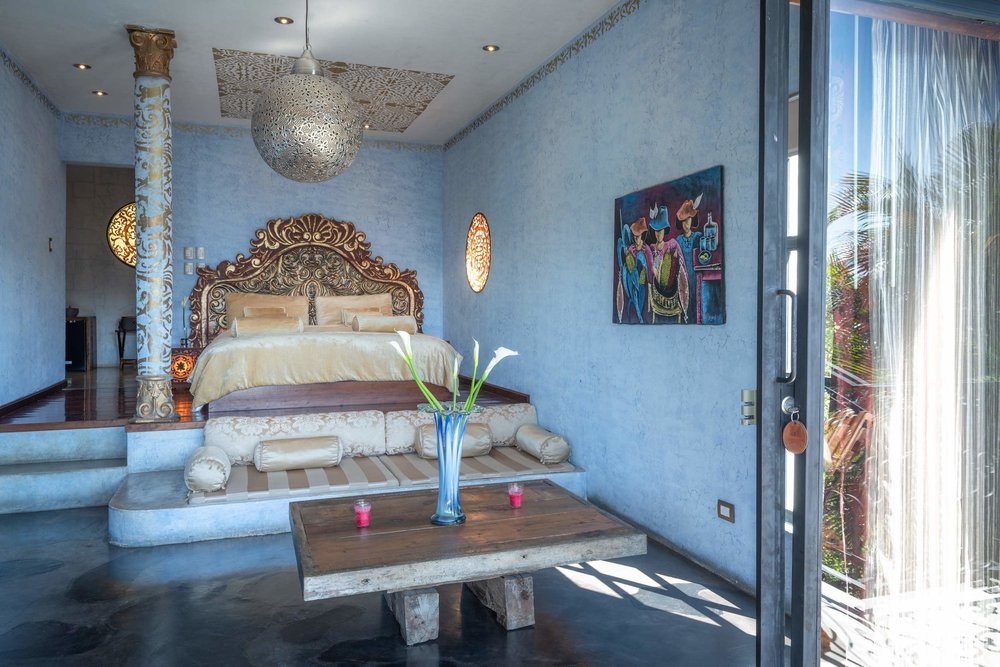casaprana-rooms-junior suite2-azul-bed-4.jpeg