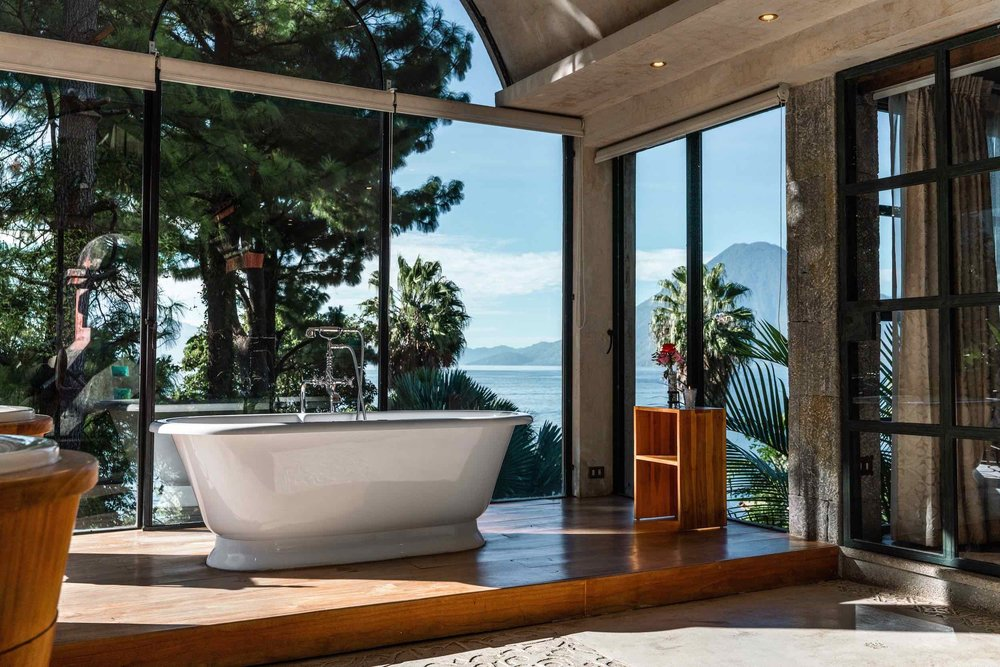 casaprana-rooms-Luxury suite-bathtub-view.jpg