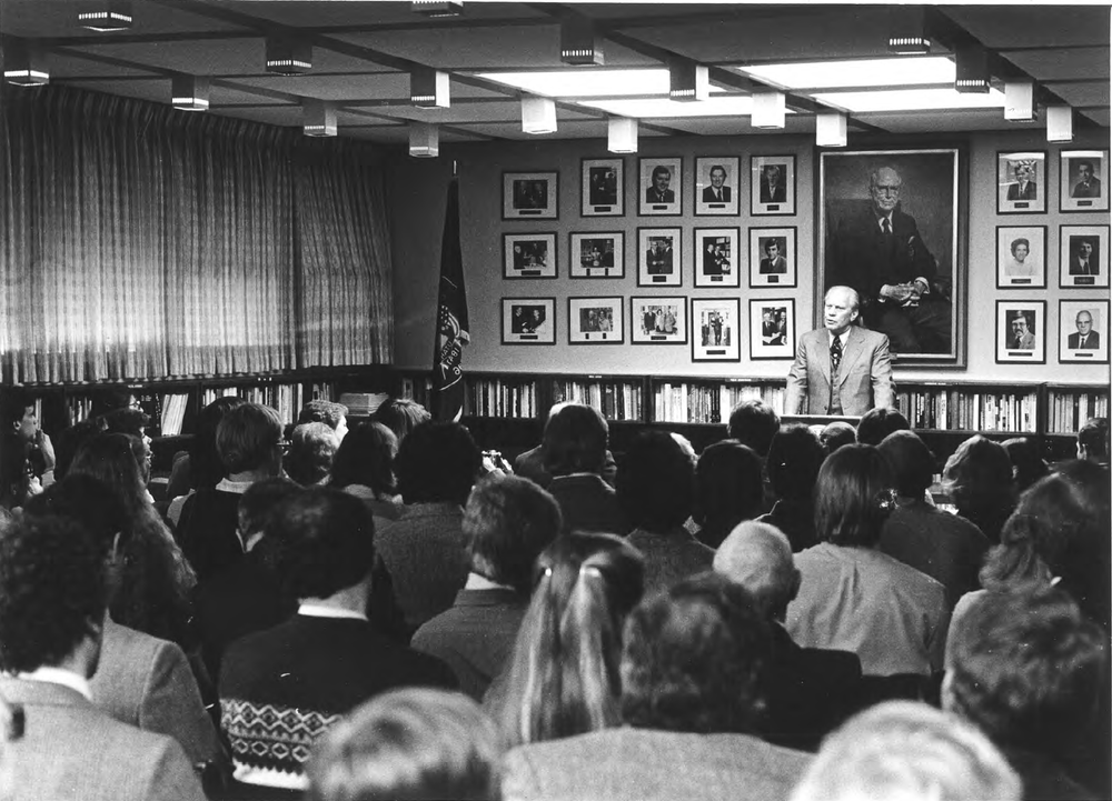 President Gerald Ford addresses students in a packed Hinckley Caucus Room.