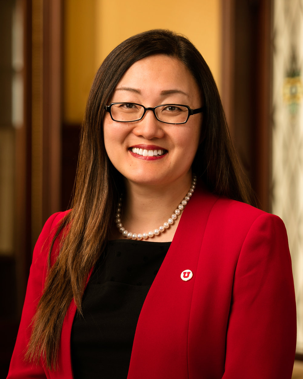 Jean Oh, M. Ed.            Managing Director of Global Internships Jean Oh joined the University of Utah in 2013 and served as the first Director of UAC Student Services and Main Campus Operations until 2017 when she joined the Hinckley Institute of Politics as the Managing Director of the Global Internship Program. jean.oh@hinckley.utah.edu
