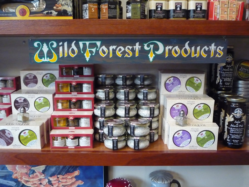HAND-far-west-fungi-wild-forest-products-shelf-sign_4323726364_o.jpg