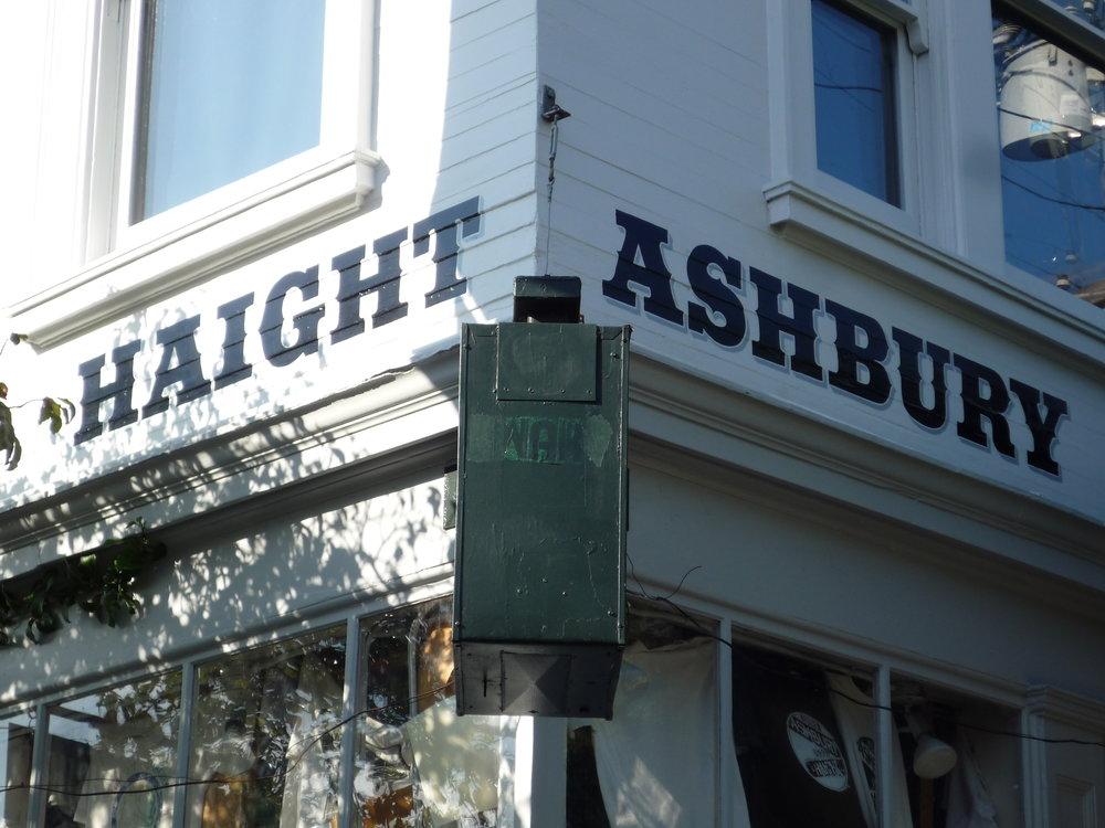 HAND-haight-ashbury-street-corner_4306547359_o.jpg