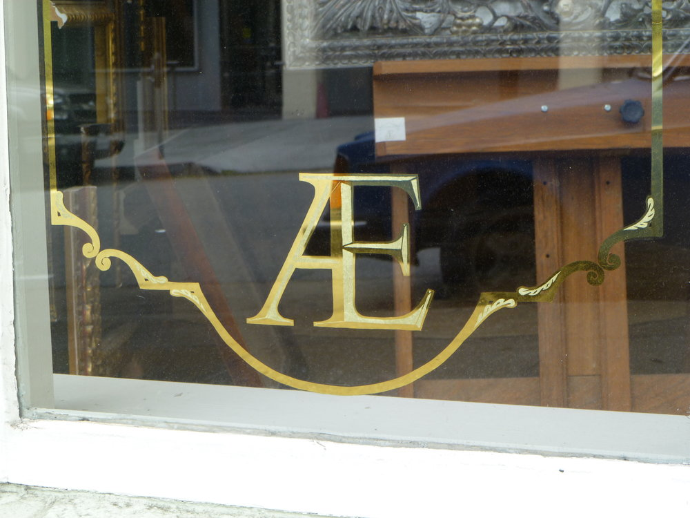 GOLD-aedicule-window-detail_5006783192_o.jpg