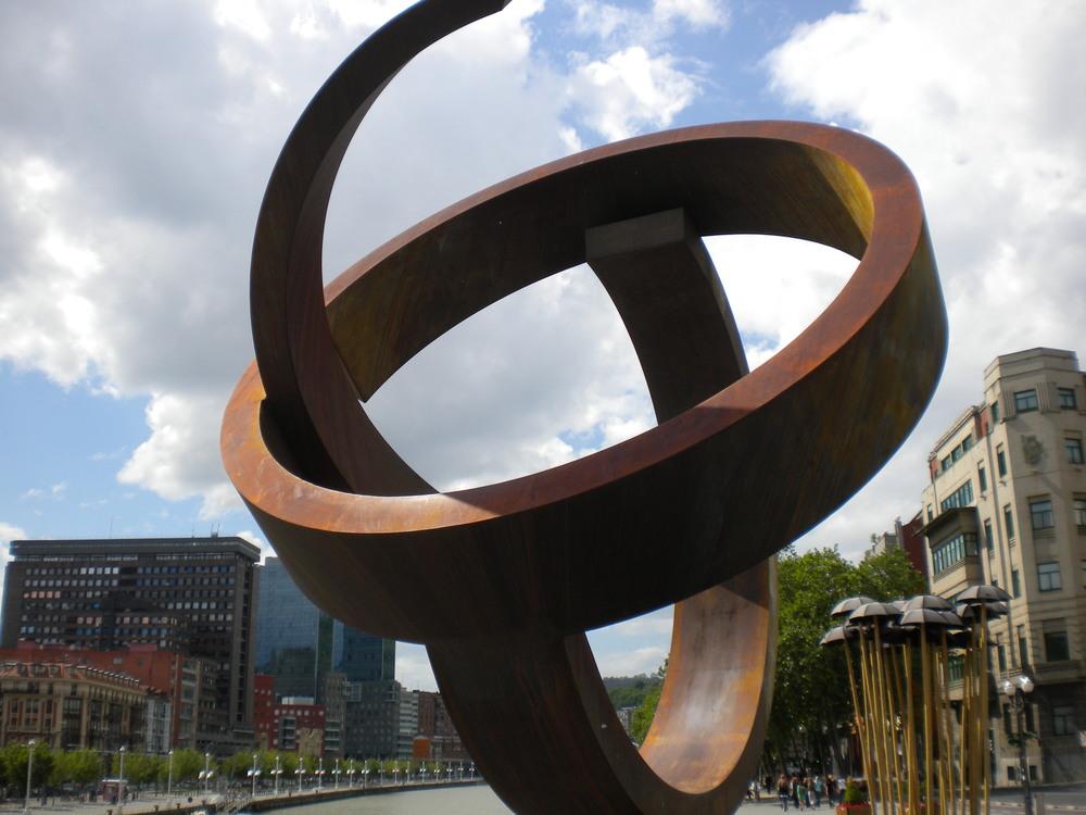 Variante ovoide de la desocupación de la esfera Jorge Otieza,Bilbao