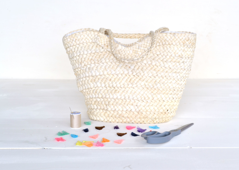 DIY Tassel Straw Tote | Boxwood Avenue