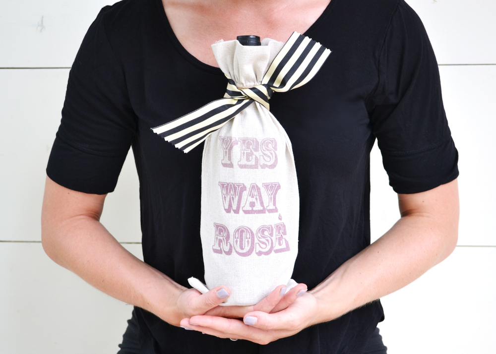 DIY Cheeky WIne Bag | Boxwood Avenue + Darby Smart