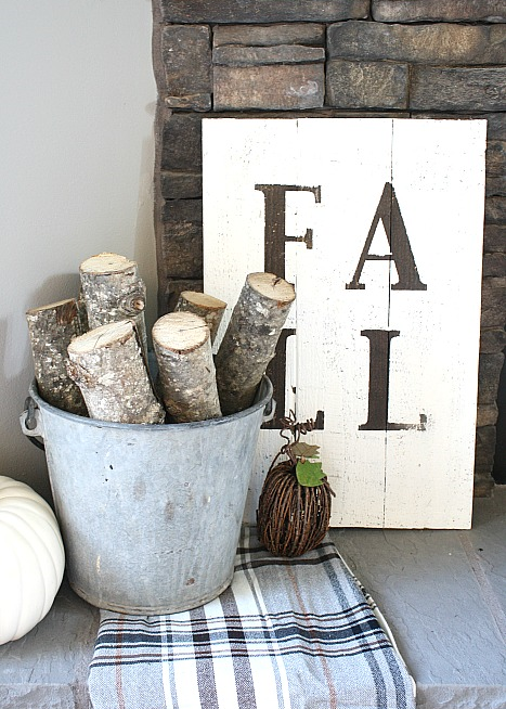 Easy rustic fall sign from Design Dining & Diapers