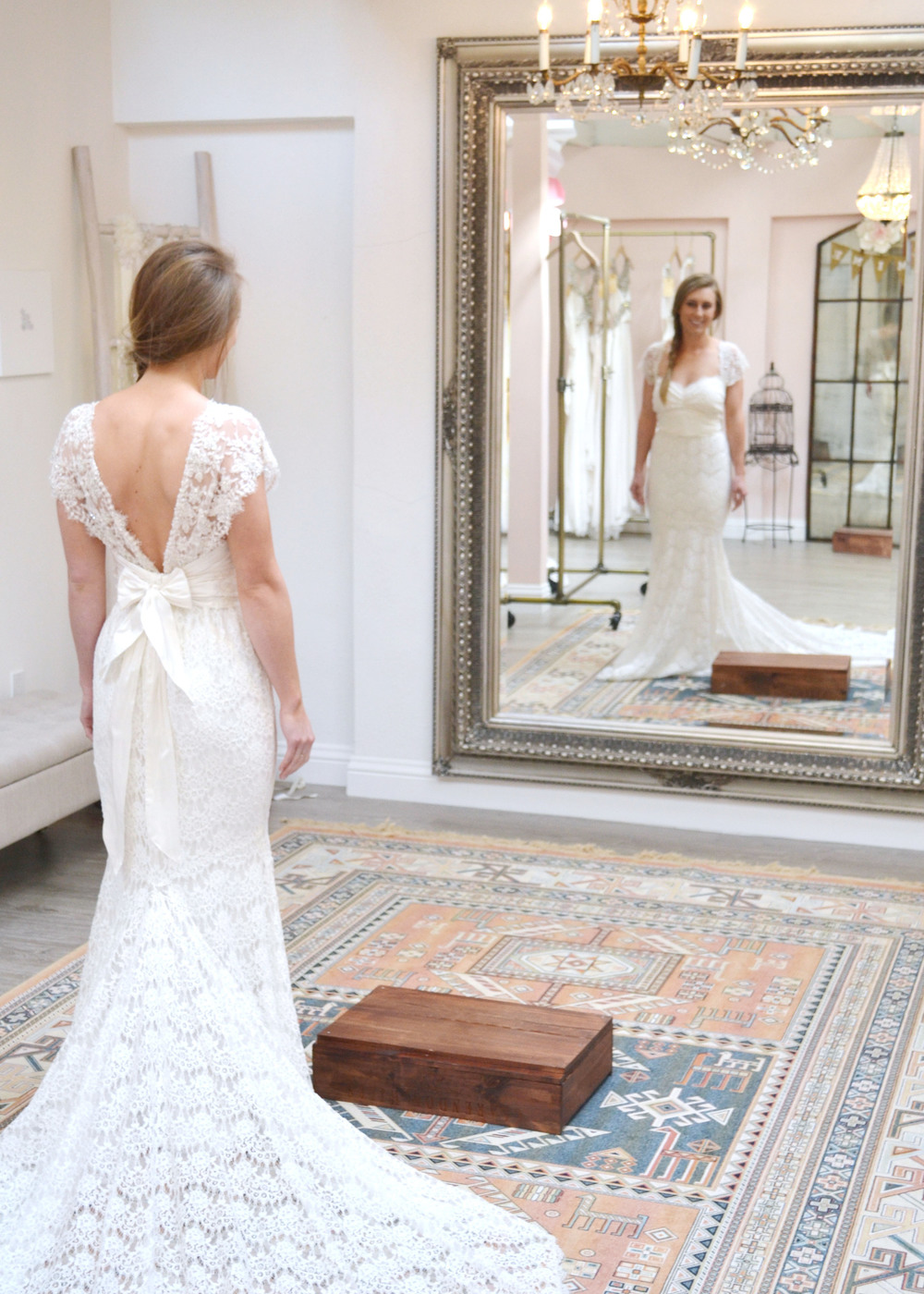 Great tips for out of town wedding dress shopping from Boxwood Avenue on Stylemepretty.com
