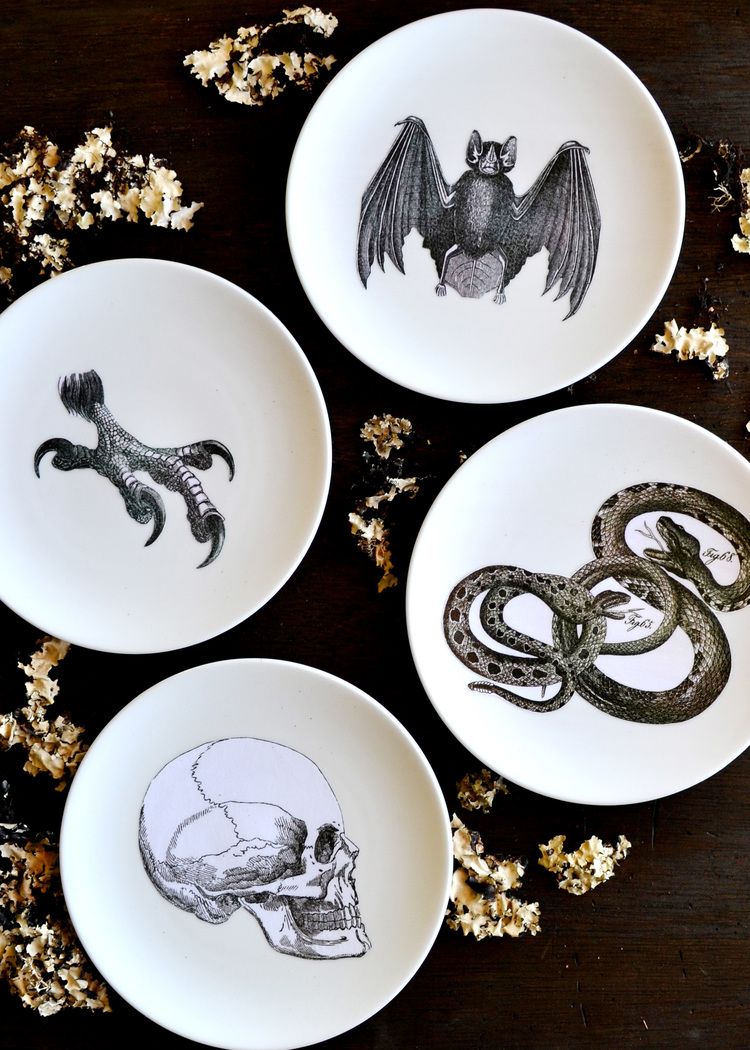 make your own silhouette plates would be so cool to personalize for a halloween party
