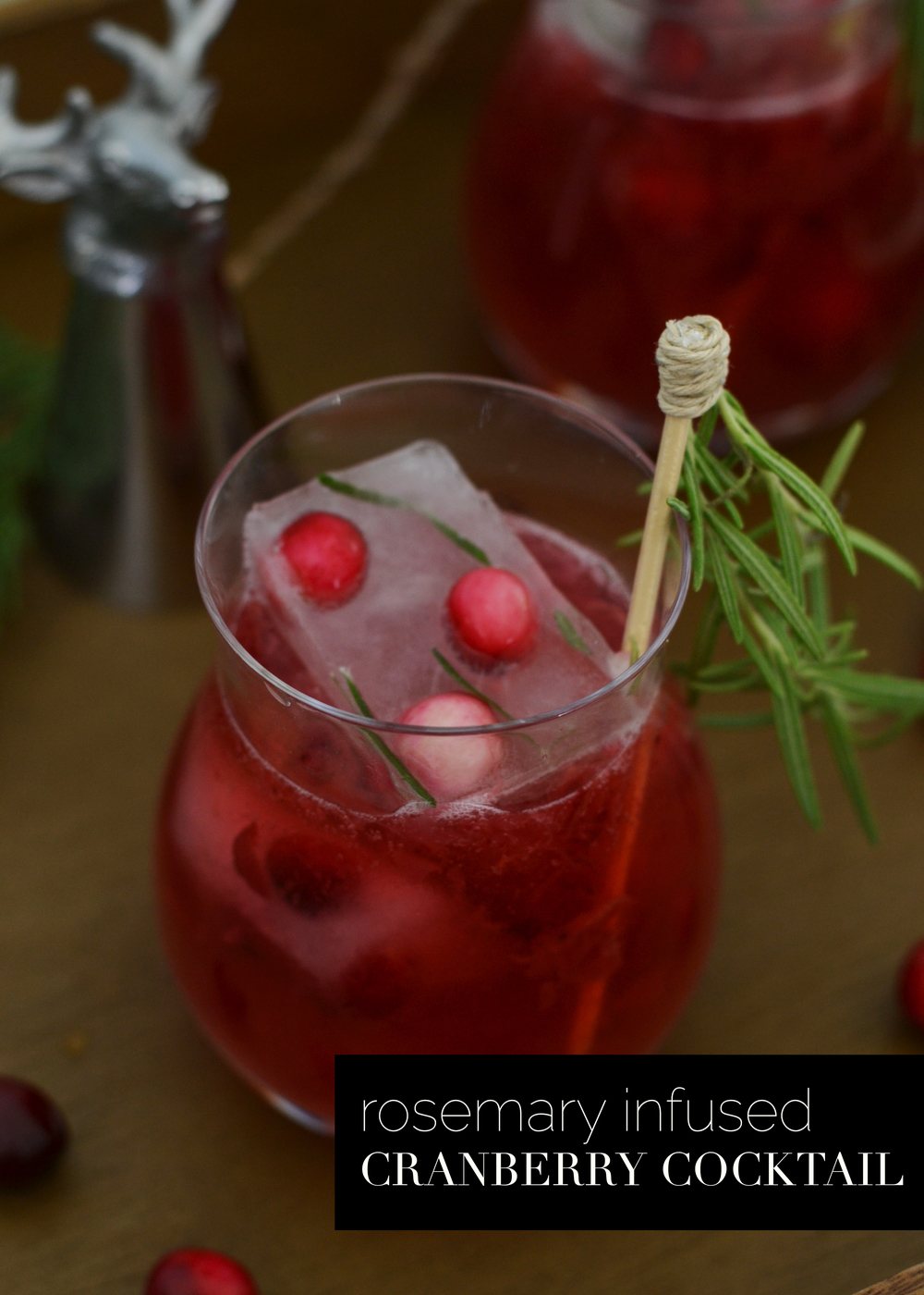 A festive holiday cocktail from boxwoodavenue.com