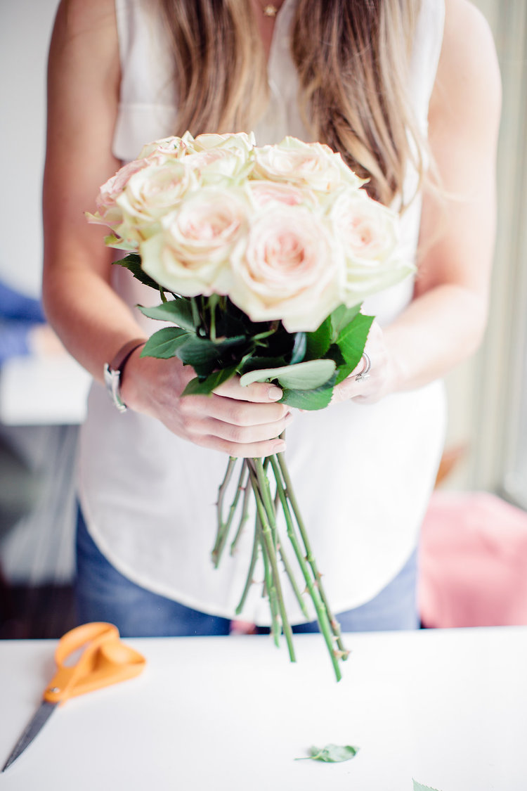 Do this to turn grocery store flowers into beautiful arrangements how to upgrade grocery store flowers from boxwood avenue photography by gagewood izmirmasajfo