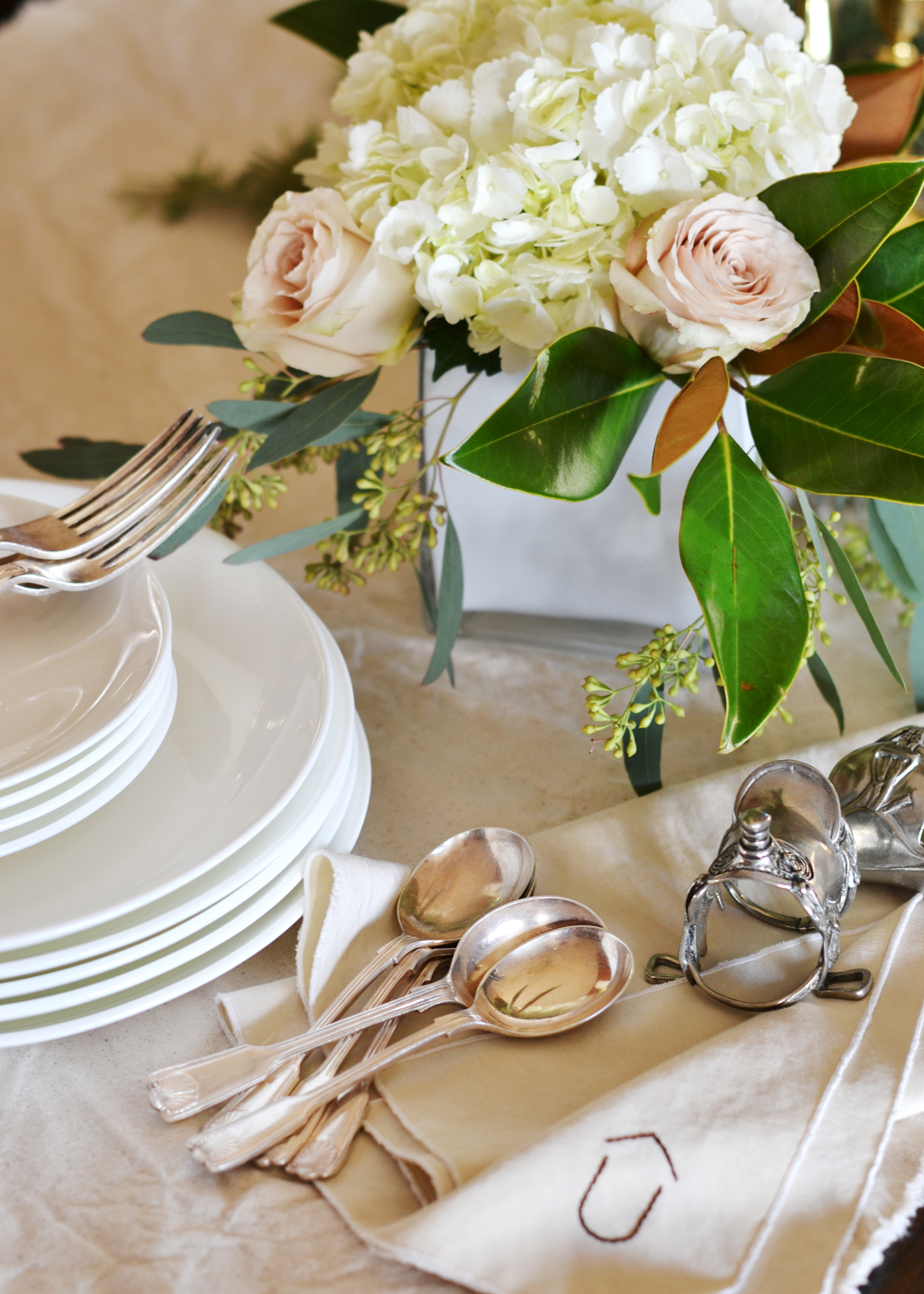 Great tips for hosting dinner parties - from boxwoodavenue.com