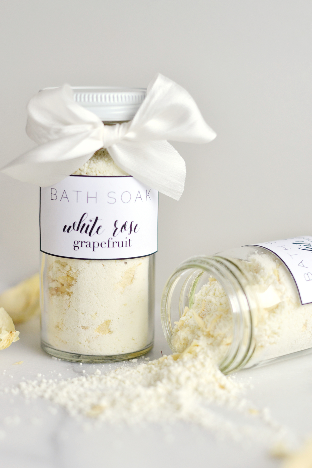 Simple (and cheap!) ingredients for a great DIY gift from boxwoodavenue.com