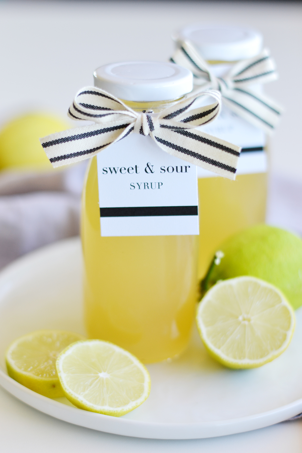 Learn how to make your own sour mix with lemons & limes!  boxwoodavenue.com