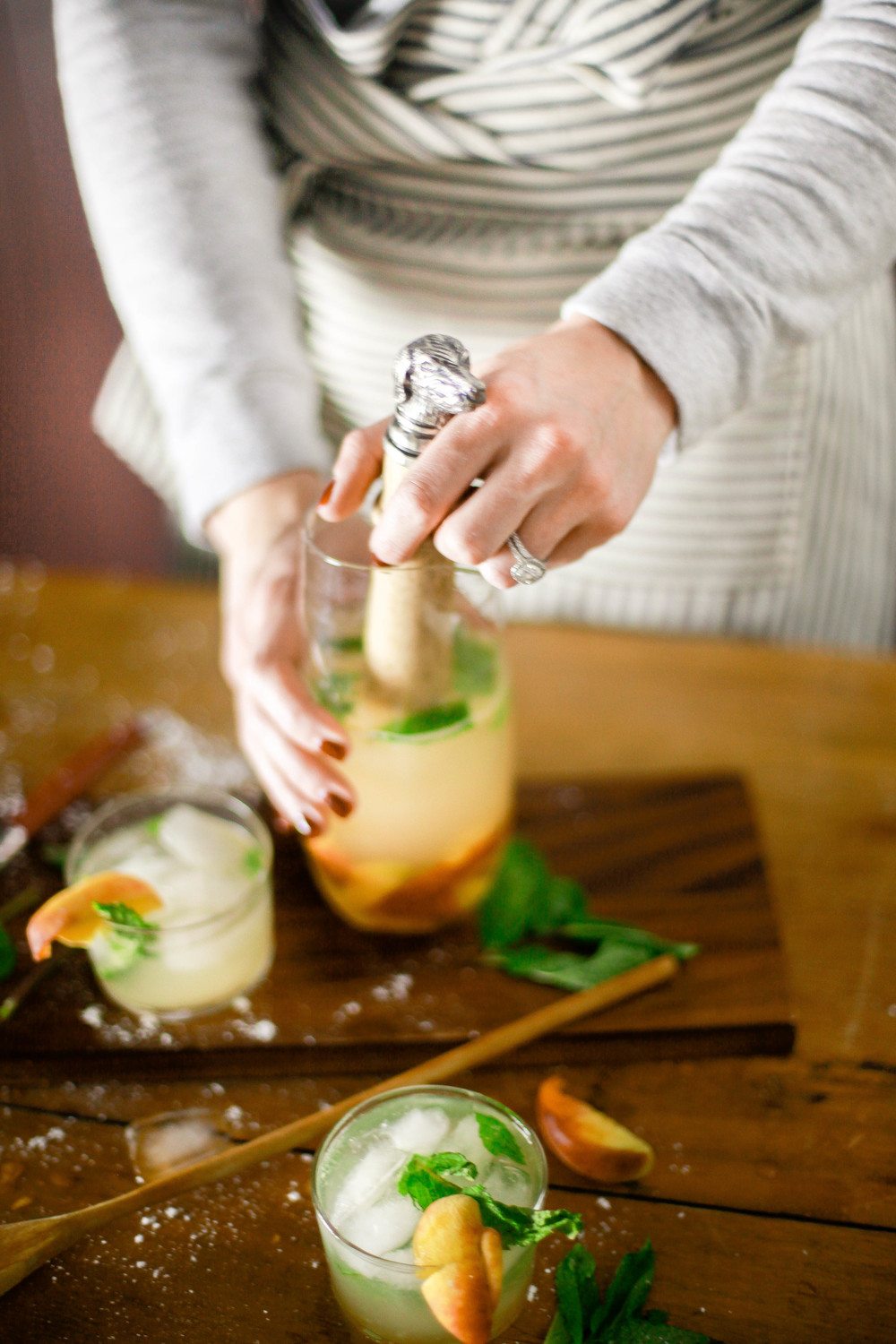Add peaches to your next mojito! From boxwoodavenue.com [Rachel L'Antigua Photography]