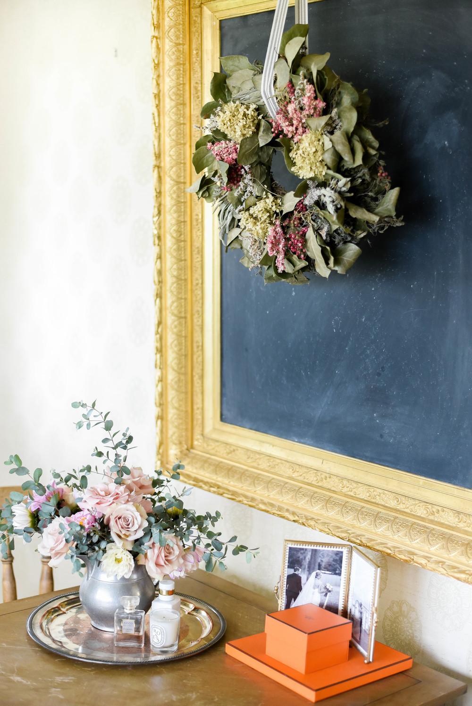 Garden roses & dahlias / velvet wall paper | boxwoodavenue.com | rachel l'antigua photography