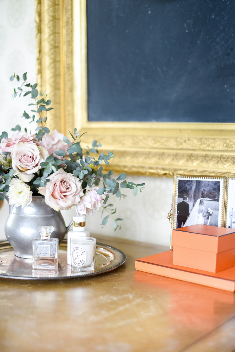 Garden roses & dahlias / bedroom sitting area | boxwoodavenue.com | rachel l'antigua photography