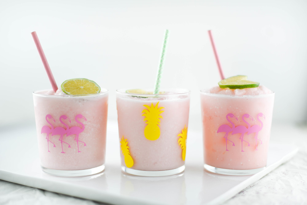 Super cute party idea - DIY flamingo & pineapple glasses with a Cricut! boxwoodavenue.com