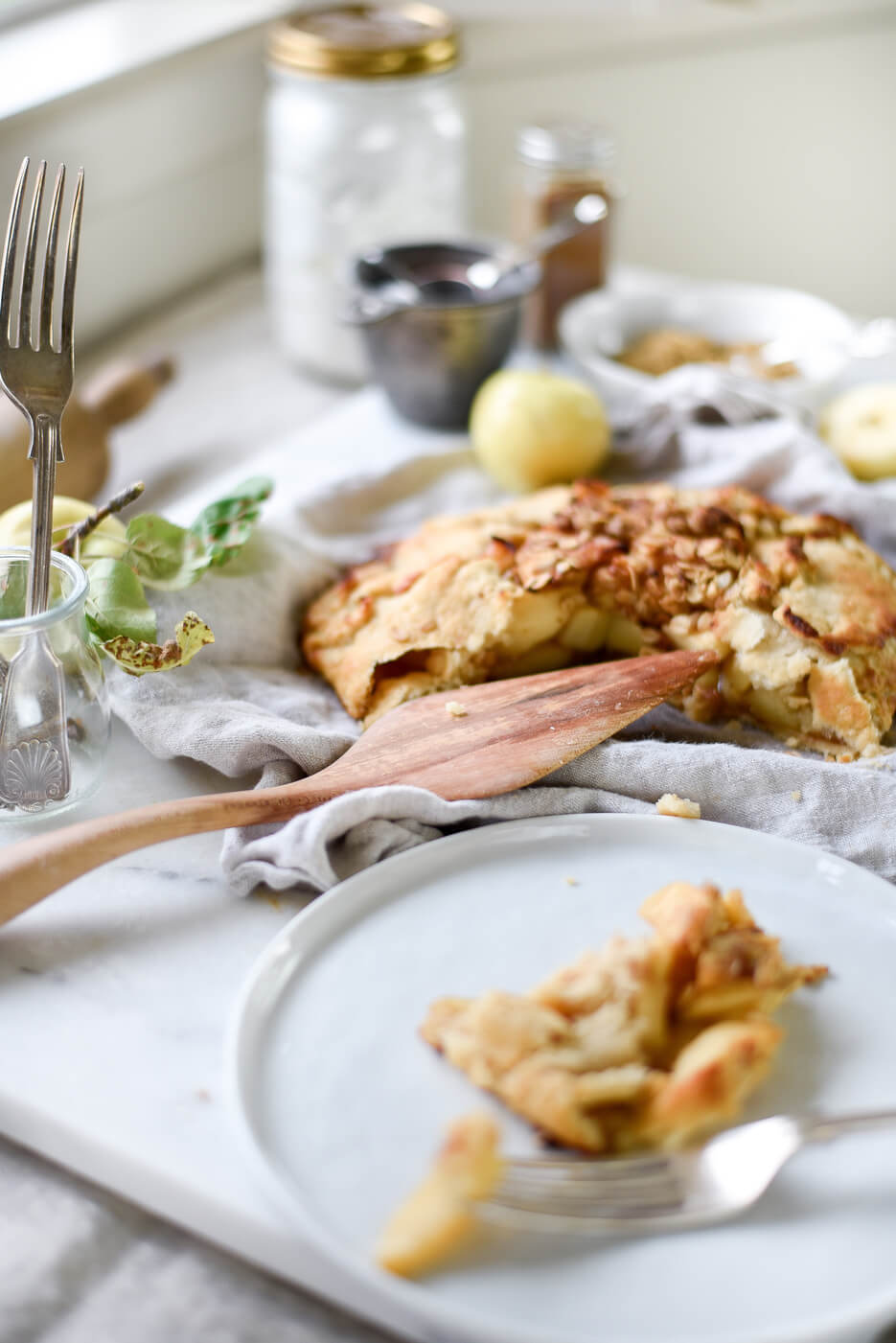 Rustic baking - an easy homemade apple pie galette from boxwoodavenue.com