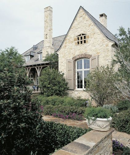 French Country Style Light Stone House | The Images Publishing Group & Ken Tate | https://imagespublishing.com
