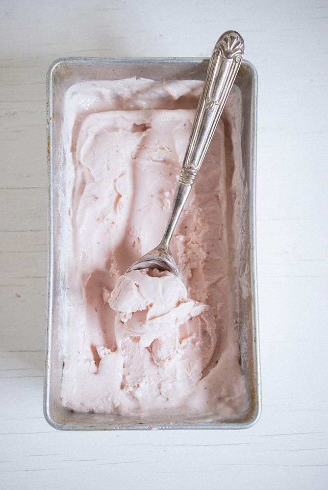 RASPBERRY RHUBARB FROZEN YOGURT