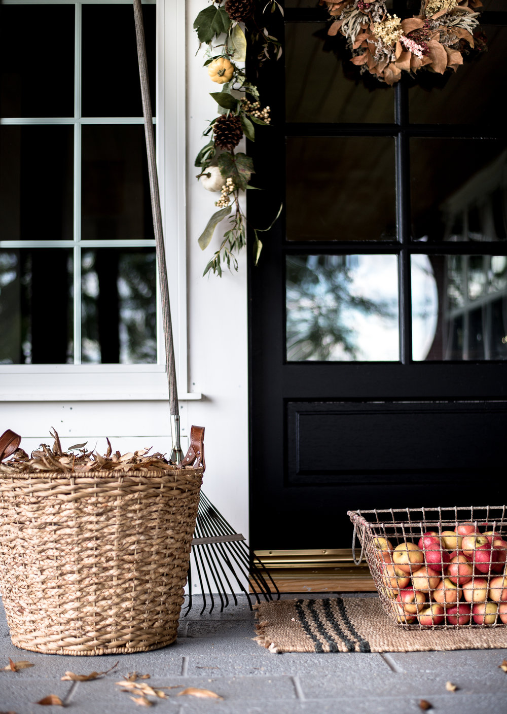 Simple Fall Decorating Ideas for your Farmhouse Front Porch | boxwoodavenue.com