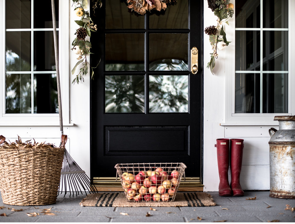 Simple Fall Decorating Ideas For Your Farmhouse Front Porch |  Boxwoodavenue.com Part 64