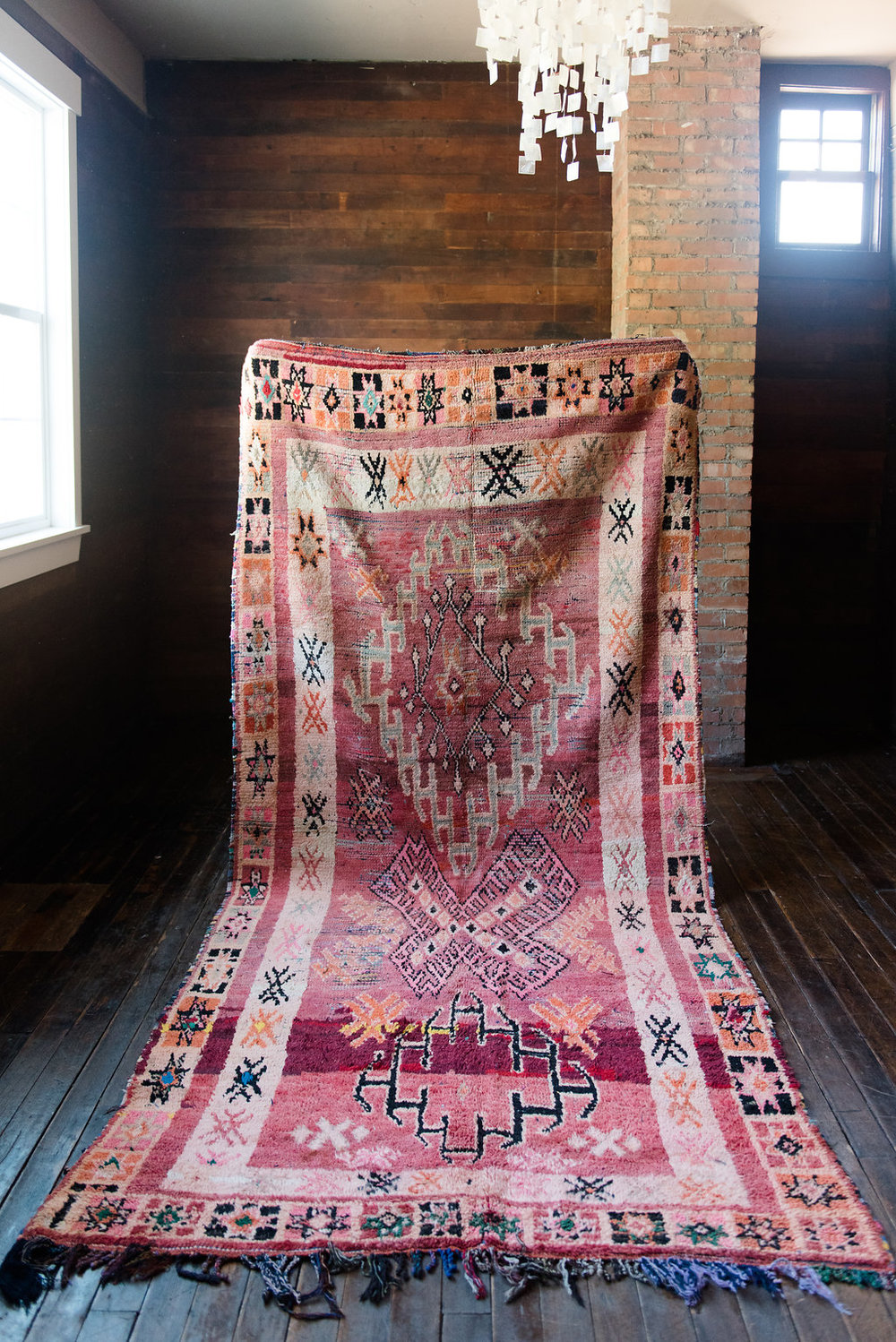 Where to buy vintage area rugs: authentic and replicas!