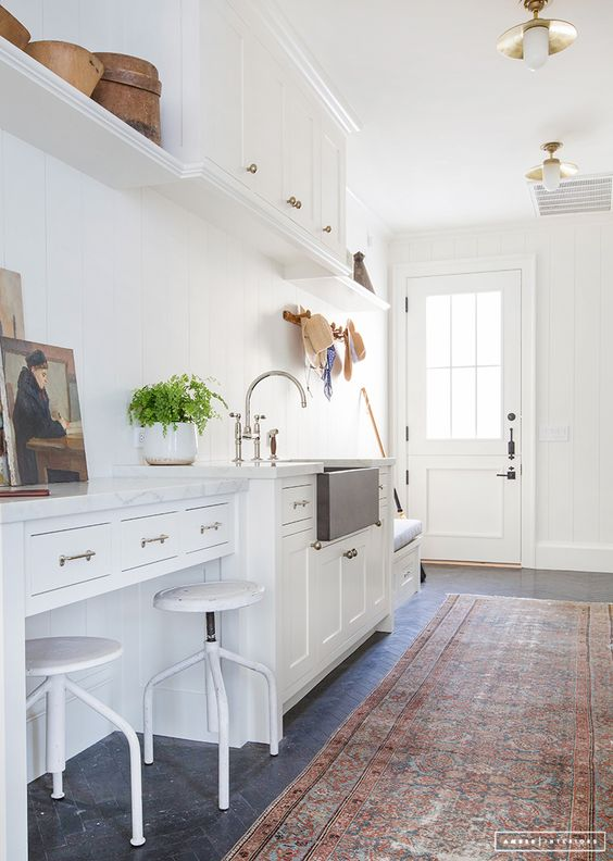 Where to Buy Vintage Area Rugs | Amber Interiors