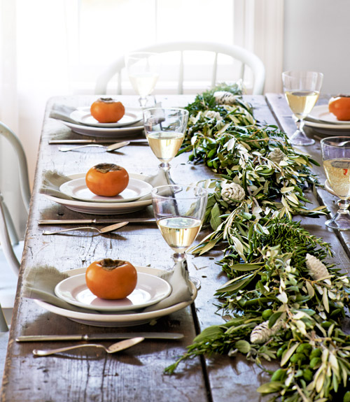 Fall Tablescape Ideas / How to make a fall garland via Country Living / boxwoodavenue.com