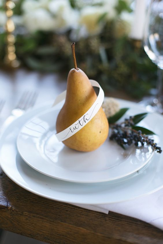 pear fall tablescape | via magnolia rouge | boxwoodavenue.com