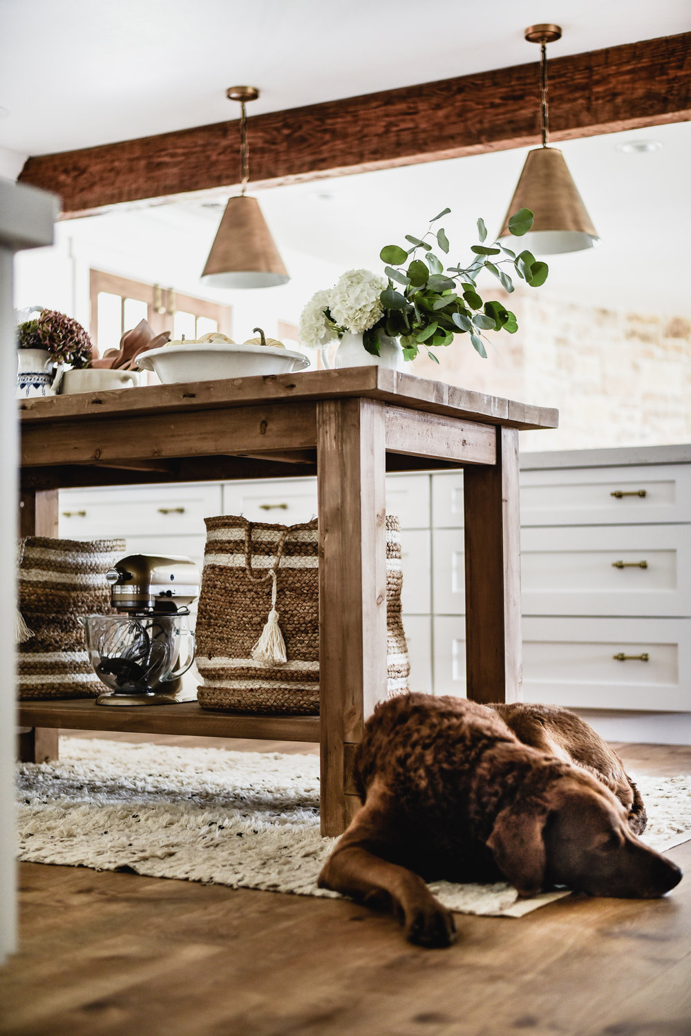 Favorite farmhouse interiors shops - A list of some of my favorite sources for buying modern farmhouse decor. With links to lighting, rugs, and flooring too!