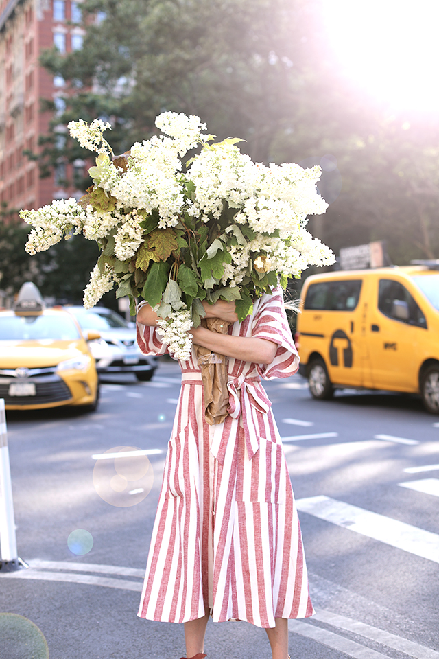 Spring Blooms via https://the-atlantic-pacific.com/2017/06/13/red-white-blooms-reformation-dress/
