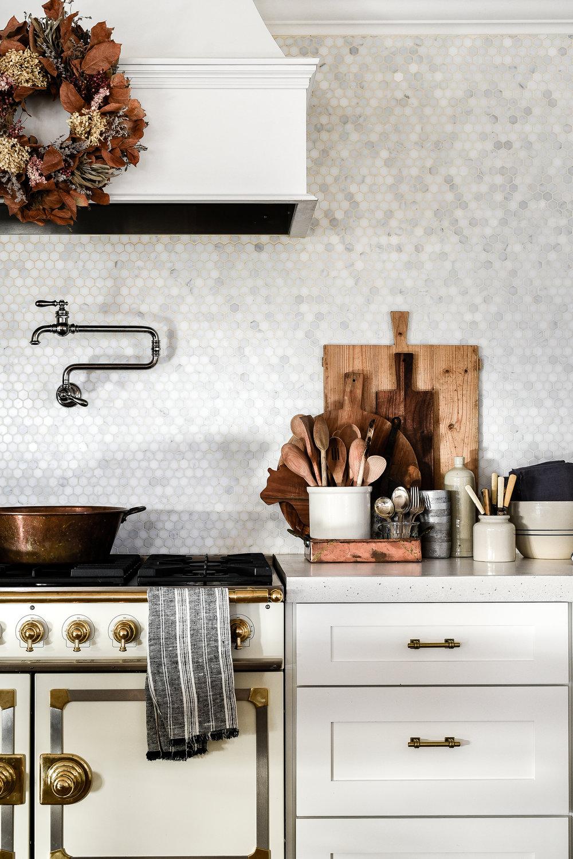 french country decor farmhouse kitchen design | boxwoodavenue.com