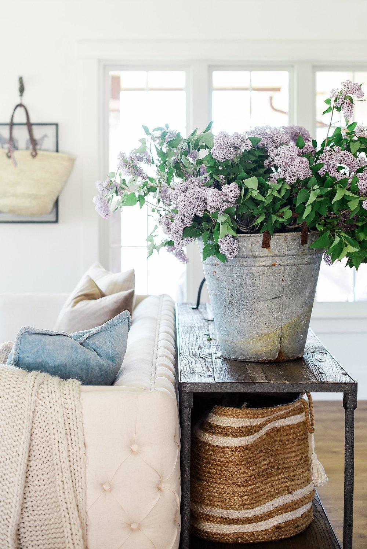modern farmhouse living room decor blog boxwoodavenue.com