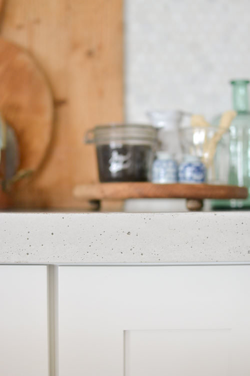 All about white concrete countertops  | boxwoodavenue.com