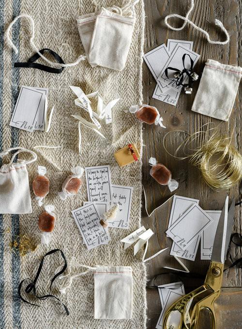 Christmas advent calendar / simple farmhouse christmas