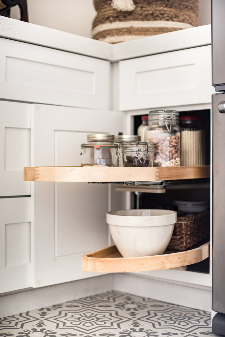Simple organization hacks for the kitchen | boxwoodavenue.com