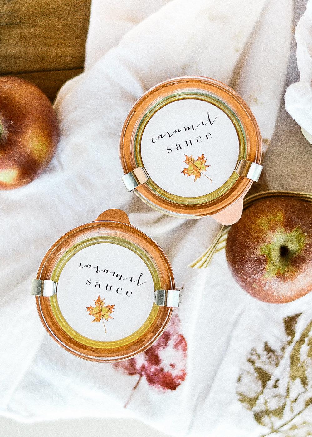 DIY Thanksgiving gift idea - caramel apple basket | boxwoodavenue.com