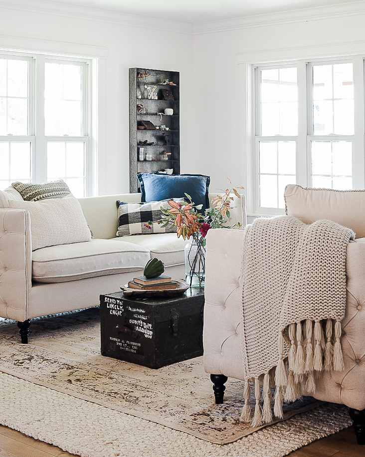 Living Room Decorating Ideas For Fall: Fall Decorating Ideas: Farmhouse Living Room