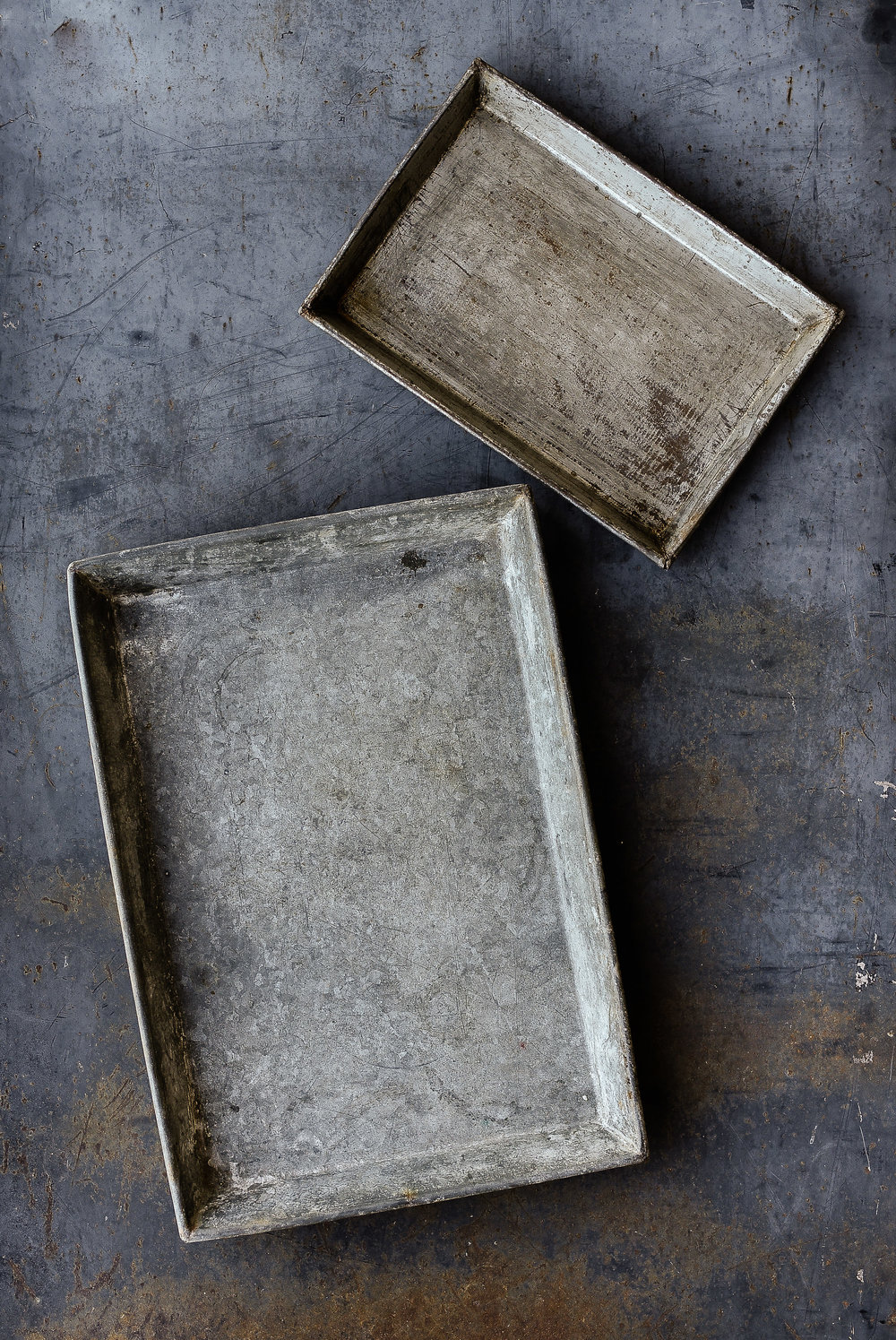 Vintage zinc trays farmhouse decor boxwoodavenue.com