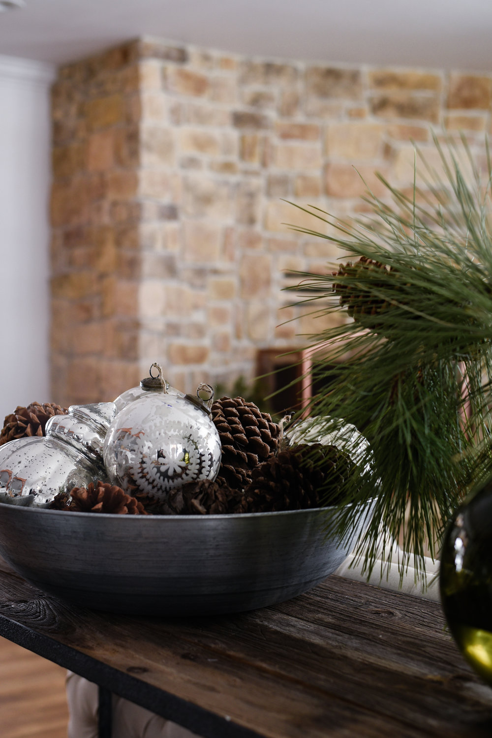 Farmhouse Christmas ideas from boxwood avenue