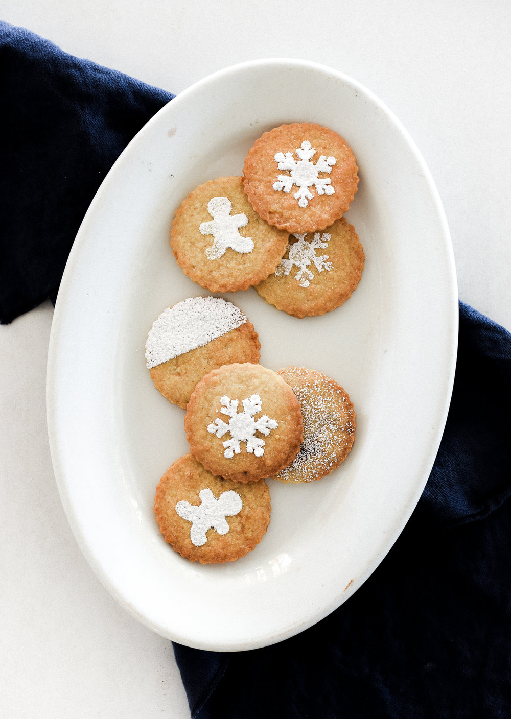 The easiest Christmas cookie: Christmas shortbread! #christmascookies #holidaybaking boxwoodavenue.com